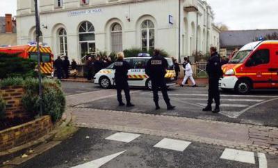 Coups-de-feu-au-commissariat-de-Joue-les-Tours-l-agresseur-abattu_image_article_large