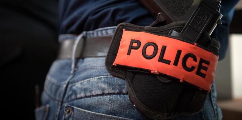 L'employé de boulangerie, qui avait refusé l'entrée dans son établissement à un policier à cause de son arme lors de l'acte 12 de la mobilisation des Gilets jaunes à Paris, a été reconnu coupable et condamné ce jeudi à des travaux d'intérêt général.